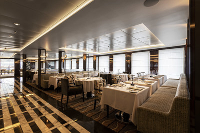 Porto is World Navigator's main restaurant, serving breakfast, lunch, and dinner, with a choice of indoor and al fresco seating.