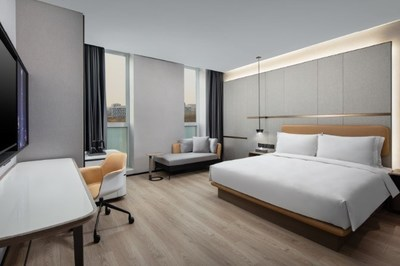 Microtel by Wyndham Tianjin's stylish Standard King Room