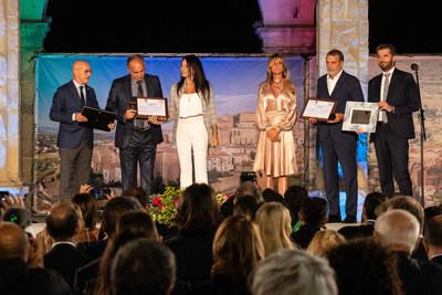 """Marco Tardelli and Hansi Müller, winners of the Paolo Rossi Special Award """"Modello per i giovani"""" (Youth Role Model) (PRNewsfoto/Menarini I.F.R.)"""